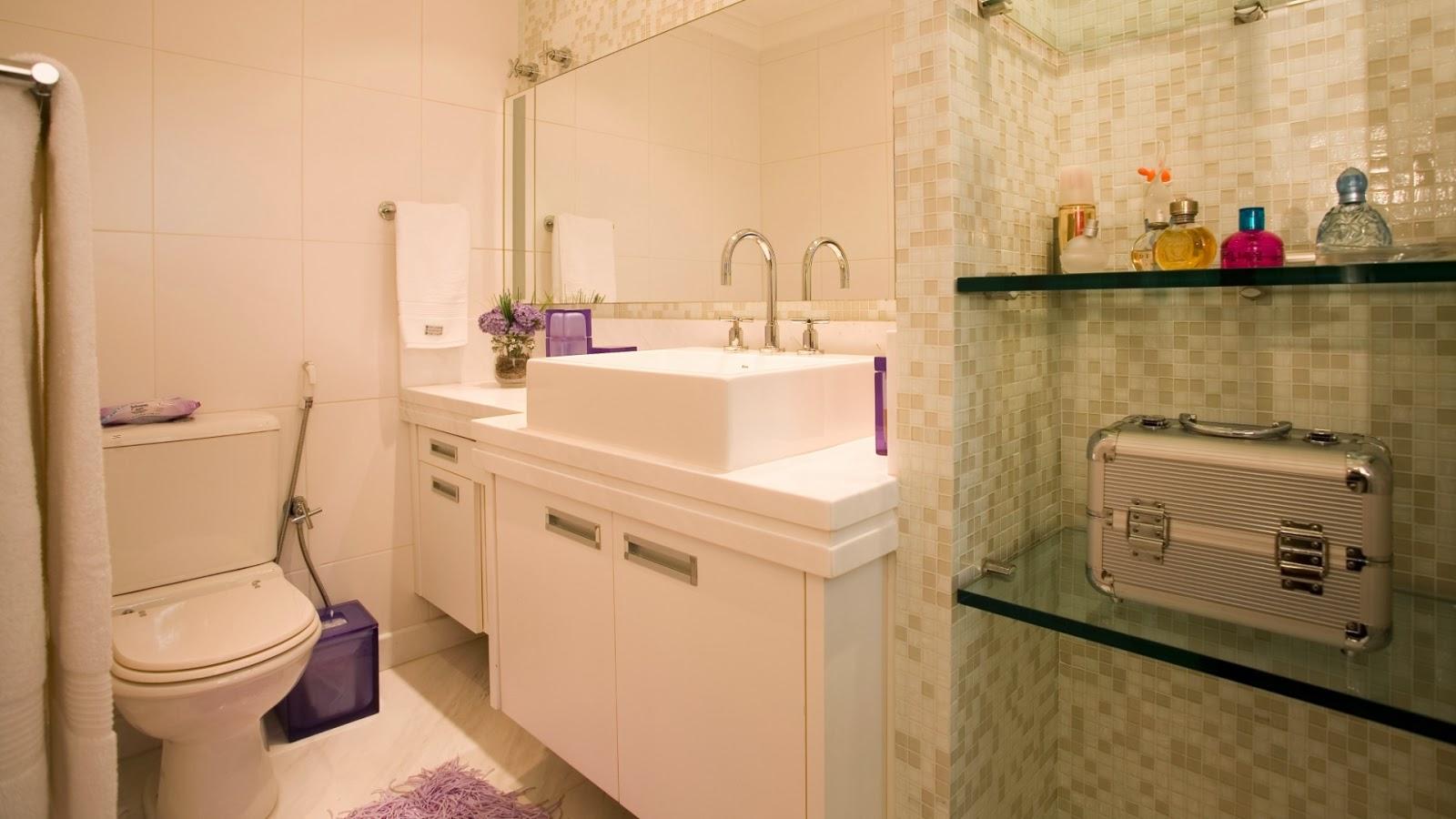ser escolhidos de forma que combinem com a decoração do banheiro #B3163D 1600x900 Acessórios Para Banheiro Idosos