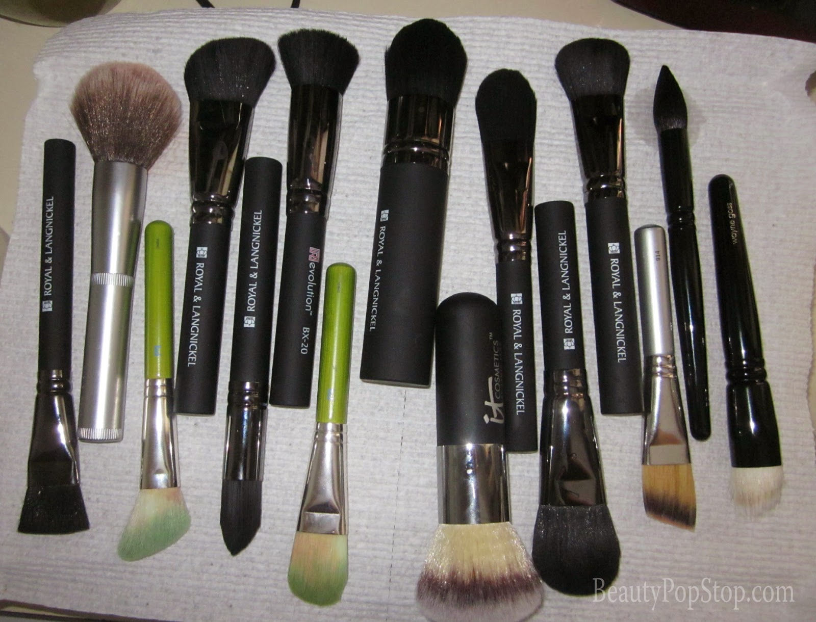 how to wash makeup brushes using enkore makeup pro ultra brush soap