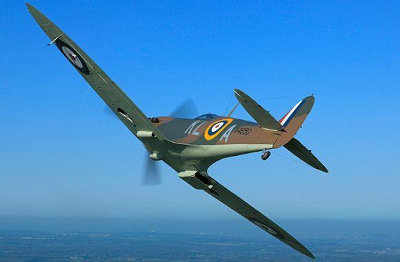 Supermarine Spitfire dibuat dalam berbagai varian dengan berbagai konfigurasi sayap