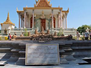 Maqueta de Angkor Wat en el interior del Palacio Real de Phnom Penh
