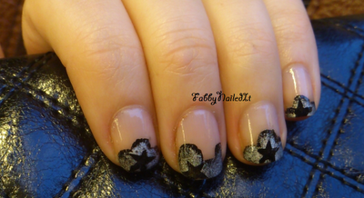 stamped star manicure