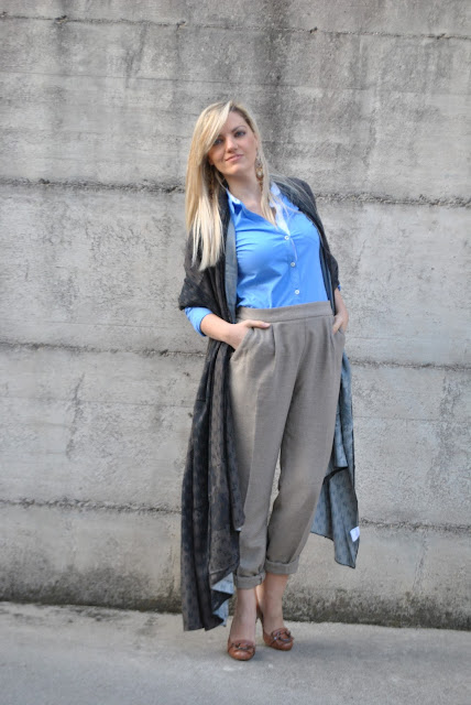 pantaloni marroni come abbinare i pantaloni marroni abbinamenti pantaloni marroni how to wear brown pants how to combine brown pants how to match brown pants brown pants street style blonde girl blonde hair blondie outfit casual invernali outfit da giorno invernale outfit gennaio 2016 january  outfit january 2016 outfits casual winter outfit mariafelicia magno fashion blogger colorblock by felym fashion blog italiani fashion blogger italiane blog di moda blogger italiane di moda fashion blogger bergamo fashion blogger milano fashion bloggers italy italian fashion bloggers influencer italiane italian influencer