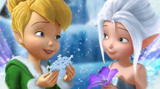 Gambar animasi TinkerBell dan PeriWinkle di negeri musim dingin