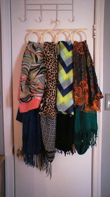 Food fashion home scarf organizer four methods for Scarves hanger ikea