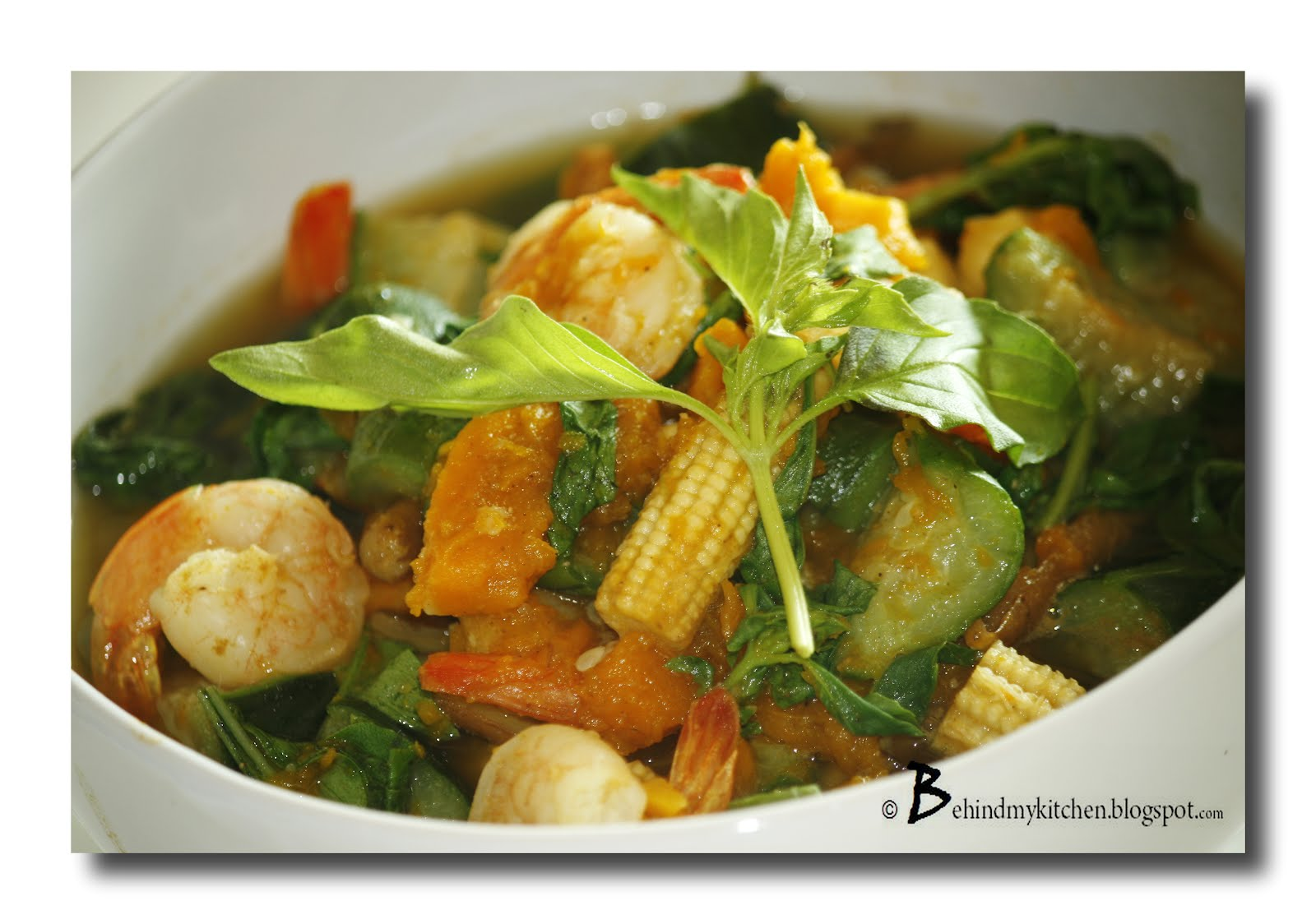 BEHIND MY KITCHEN: Thai Spicy Mixed Vegetable Soup with Prawns (Kang ...