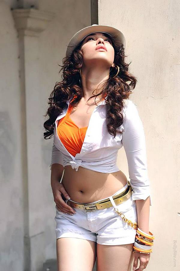Tamanna Hot Navel Pics