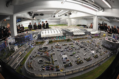 The World's Largest Model Airport Seen On www.coolpicturegallery.us