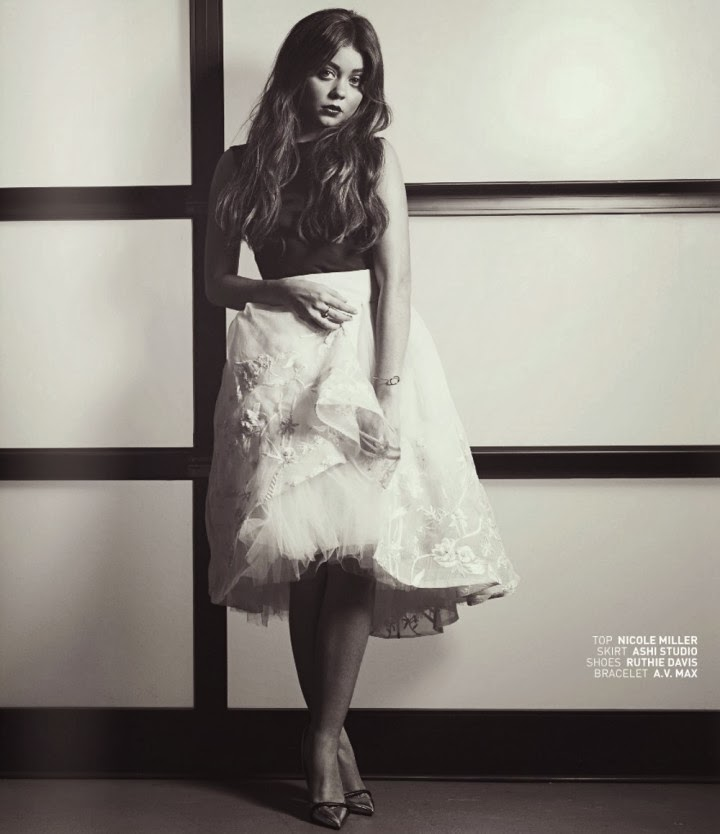 Magazine Photoshoot : Sarah Hyland Photoshot For Bello Magazine January 2014 Issue