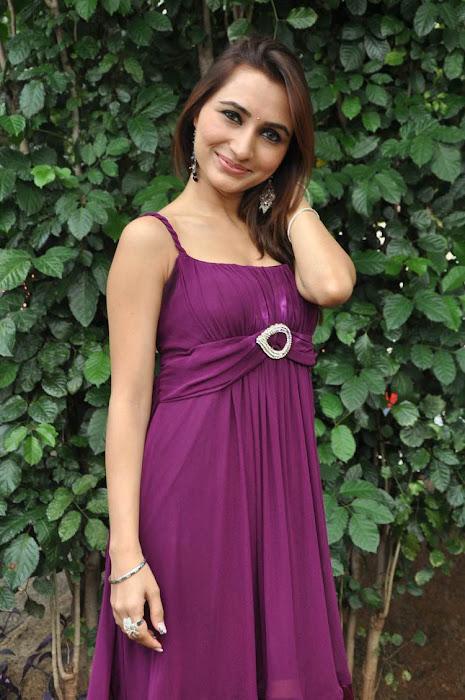 dhriti new actress pics
