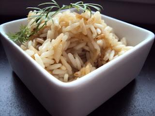 Dwukolorowy ryż smażony