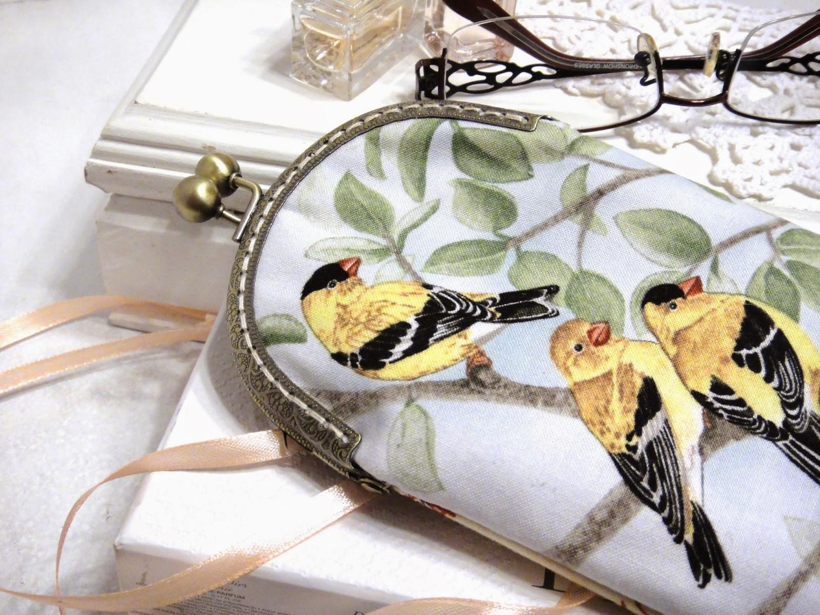 Футляр для хранения очков с птичками - подарок женщине, подарок девушке