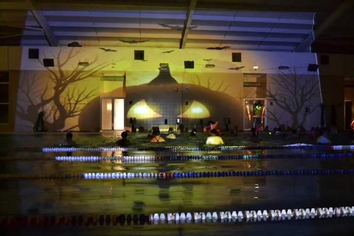 Halloween na piscina do bairro da boavista for Juntas piscina