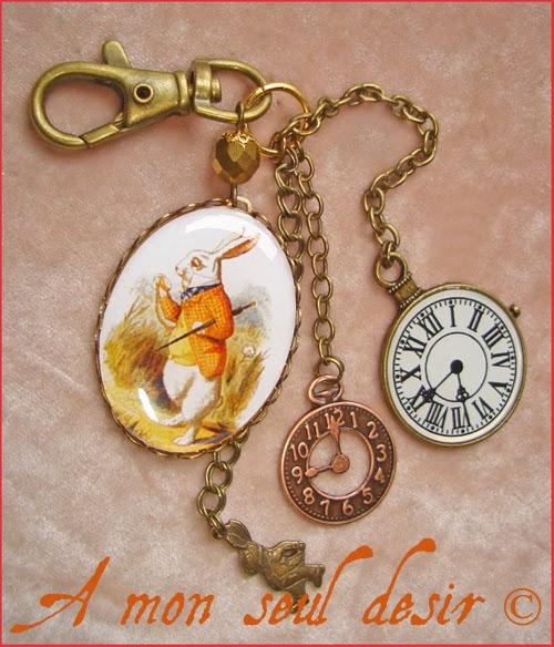 Bijou de Sac Alice au Pays des Merveilles Le Lapin Blanc Montre Gousset Je suis en retard Lewis Carroll Pocket watch Alice in Wonderland Bag Charm Jewel