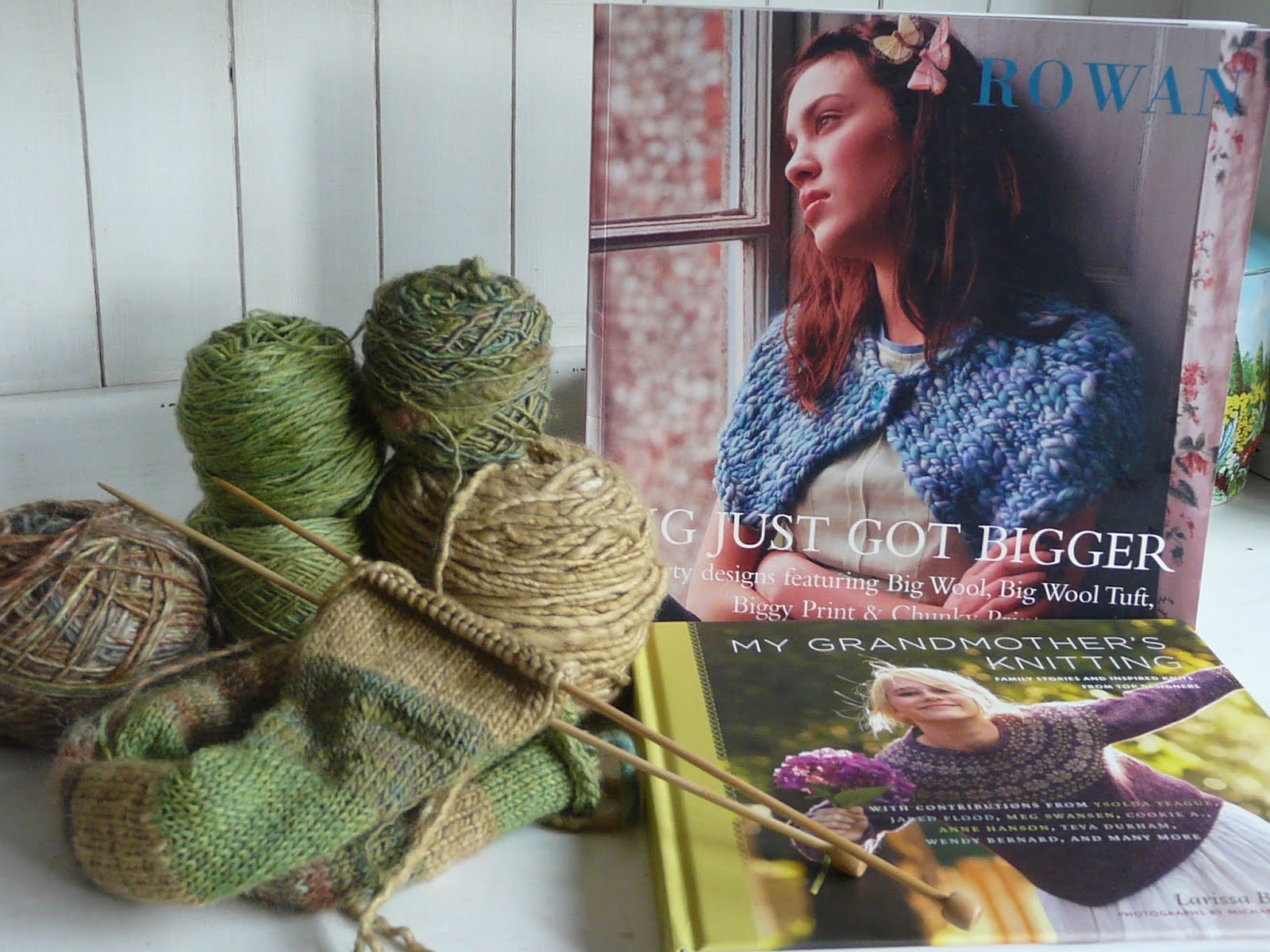 down in the meadow: New knitting books, knitted scarf and a painting