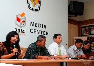 konferensi pers KPU terkait putusan Bawaslu tentang PKPI