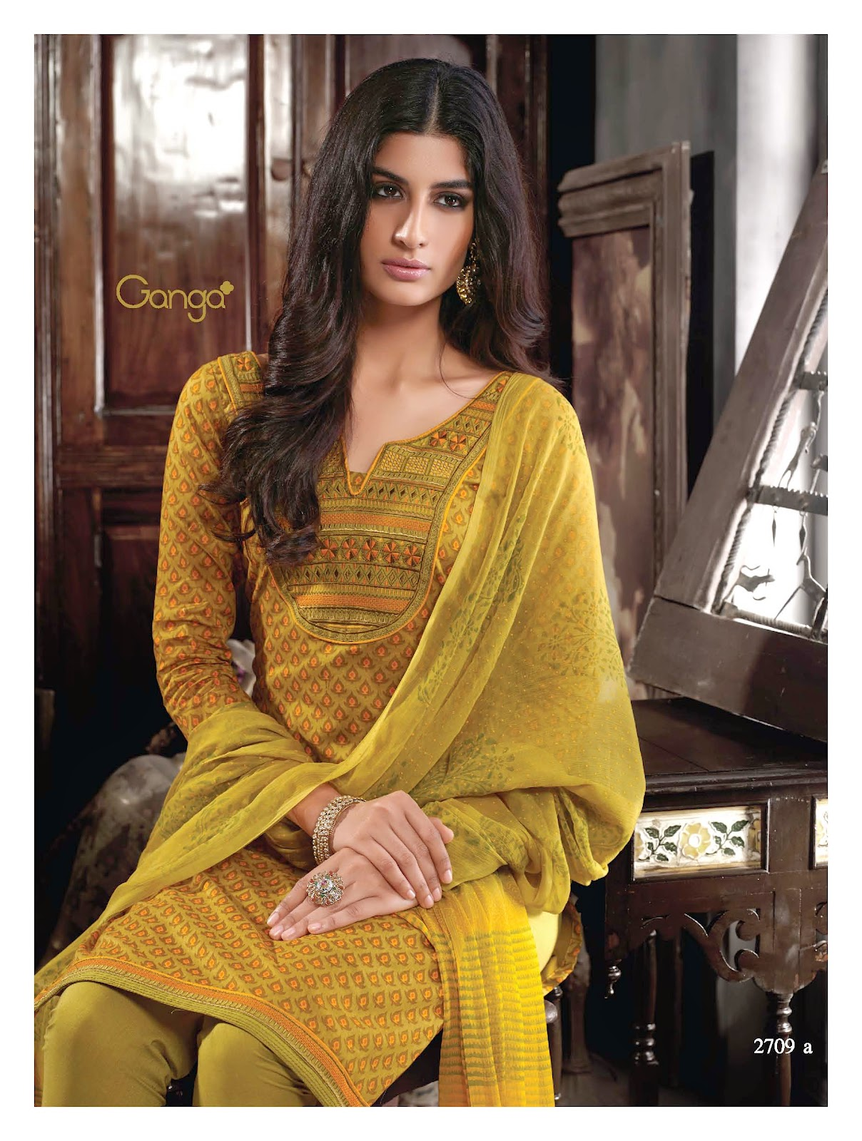 dsquare clothing ganga saraa cotton unstitched material posted by deepak srinivasan at 03 14
