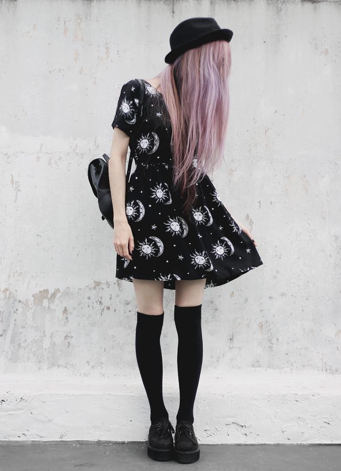 sun-moon-stars-dress-outfit