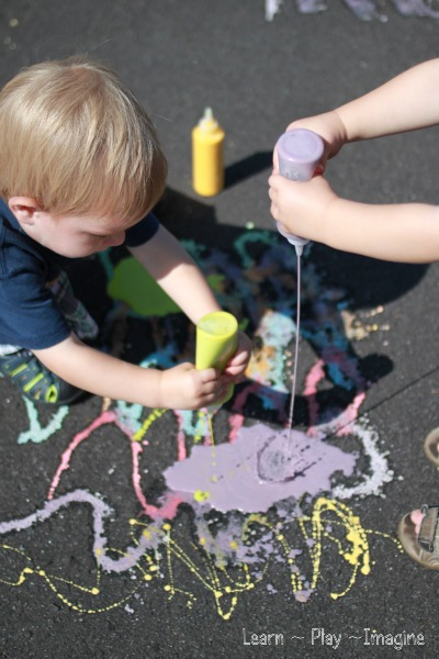 Three ingredient scented sidewalk chalk paint recipe - boost fine motor skills through ART and PLAY!