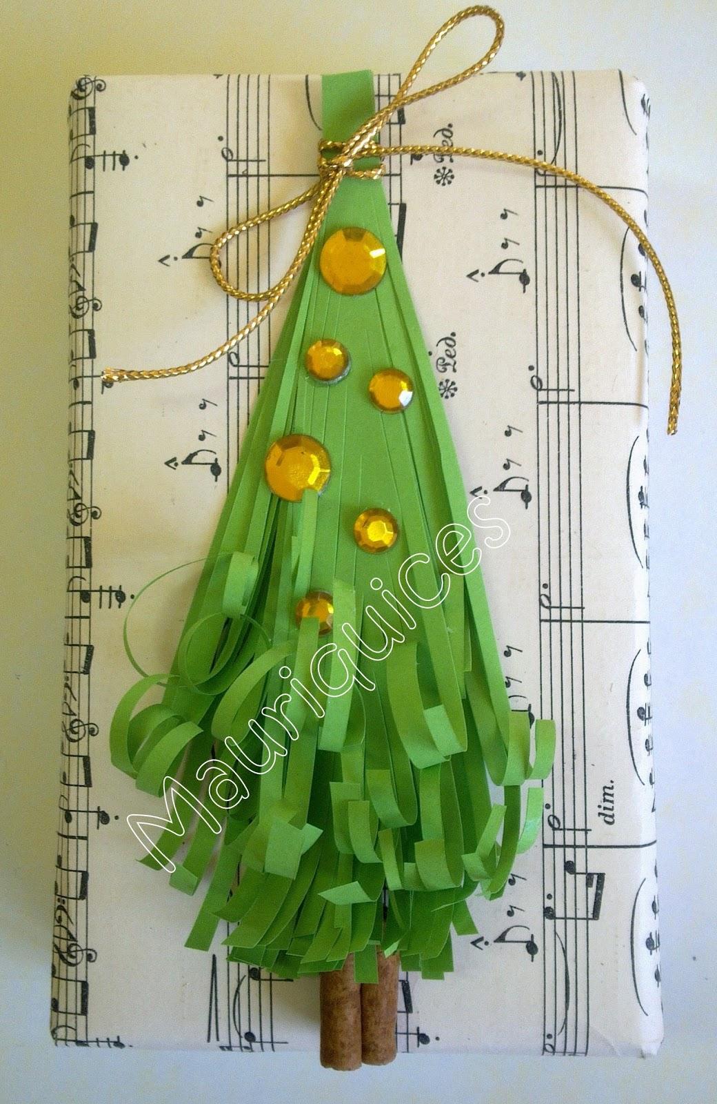 árvore com tiras de cartolina Imagem02154