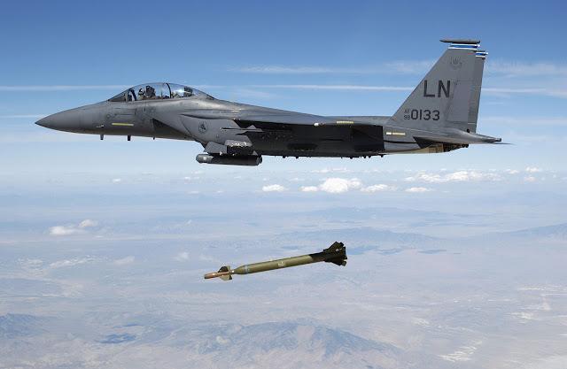 USAF F-15E releases GBU-28