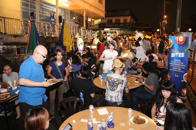 Crowd at Seapark's Flying Wanton Mee
