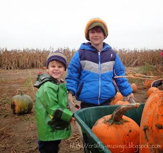 Pumpkin patch boys, 2013