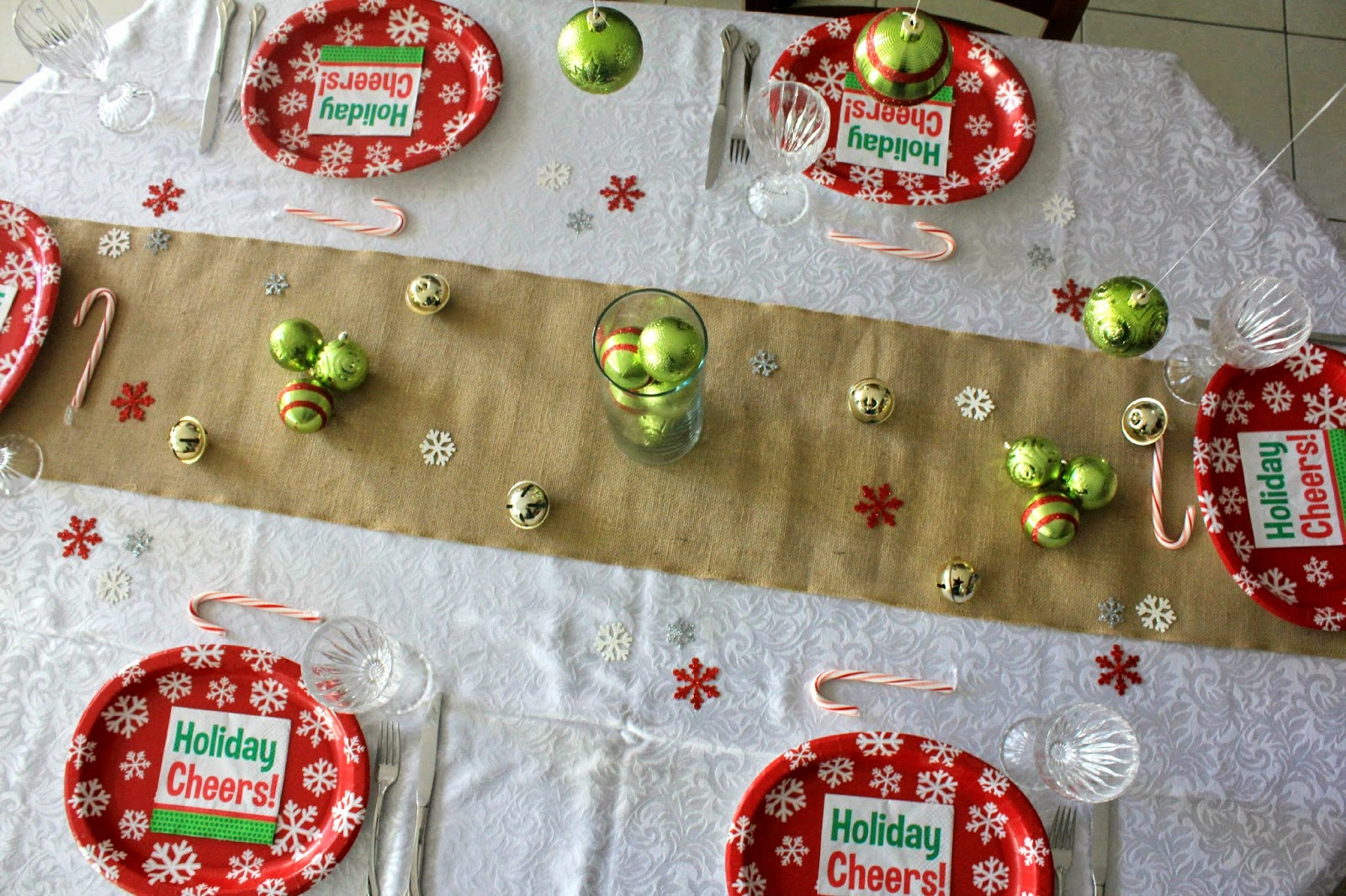 Easy Holiday Entertaining Tips #HolidayMadeSimple #ad