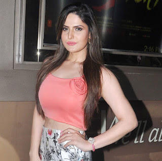 Zarine Khan looks Stunning in Peach Half Top and Skirt at Launch of Hate Story 3 Tailor