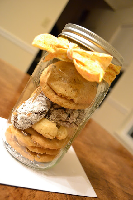 A jar of homemade cookies makes a nice Christmas gift