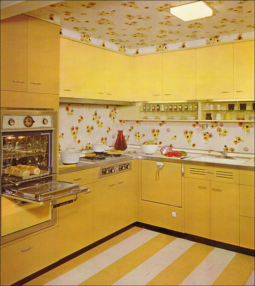 Go grad girl retro living kitschy kitchens for 50s style kitchen decor