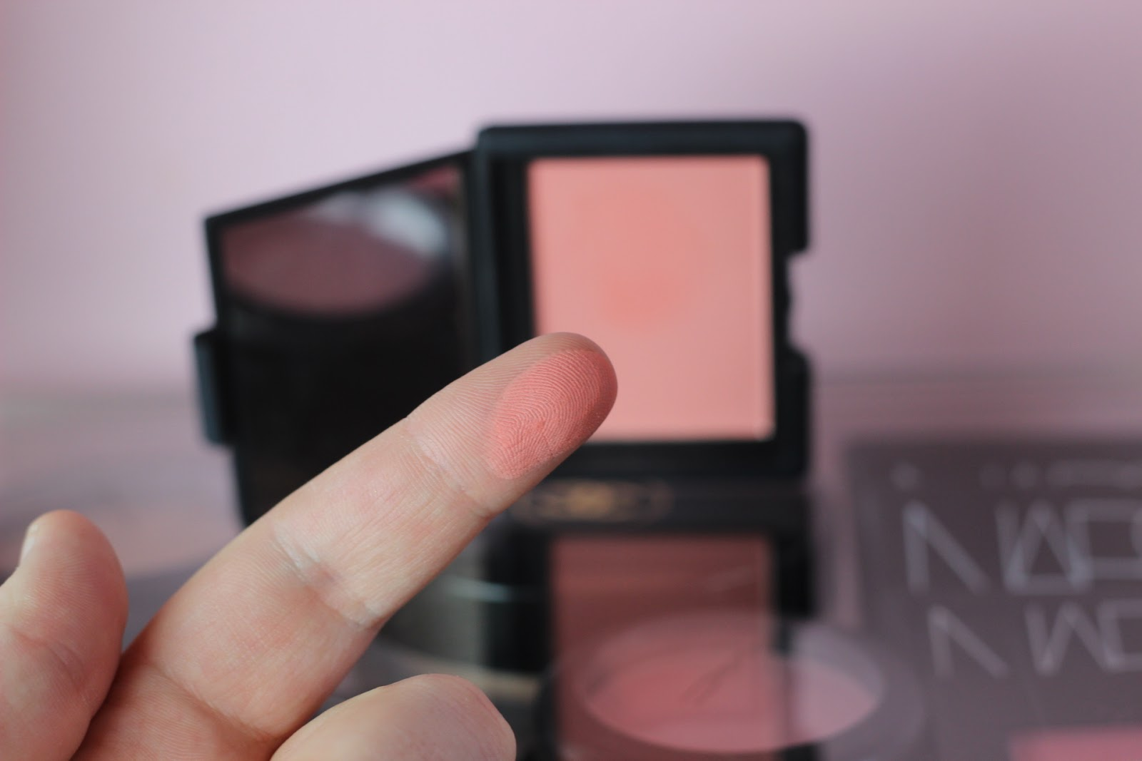 nars final cut blush swatch