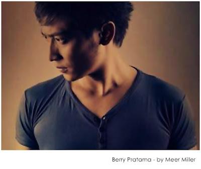 Lirik Lagu Berry Pratama - Salahkah Cintaku