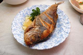 باحثون: قلي الأسماك يقلل الدهون المفيدة