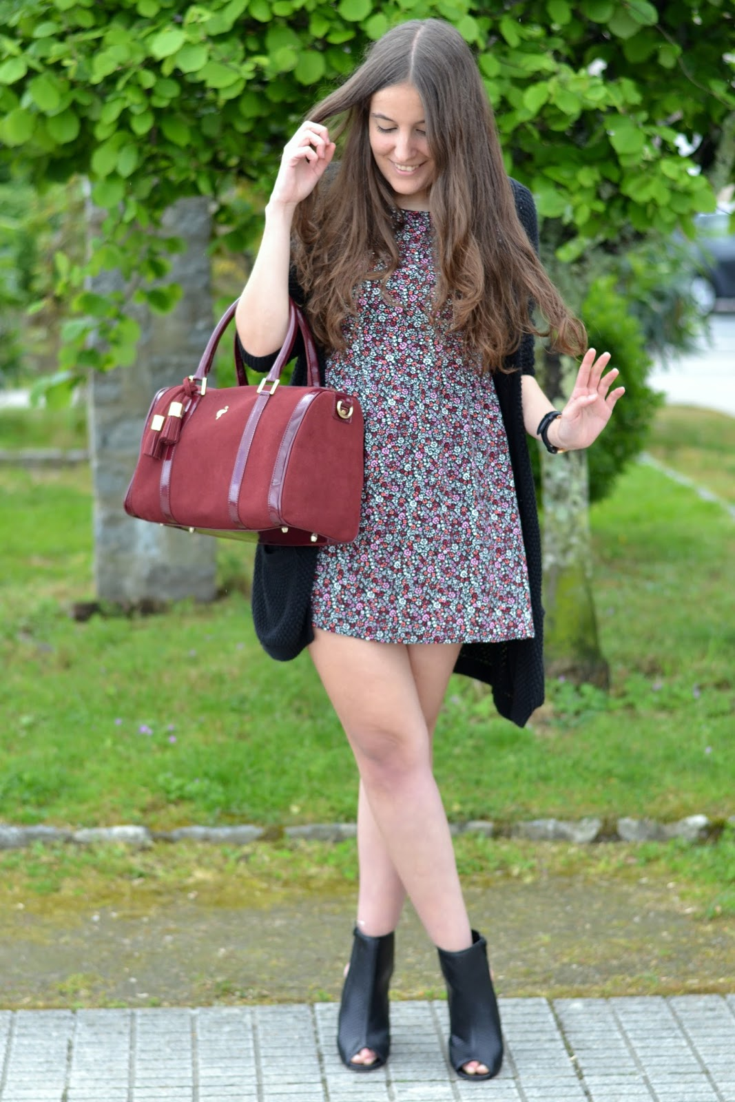 looks casual dress and ankle boots