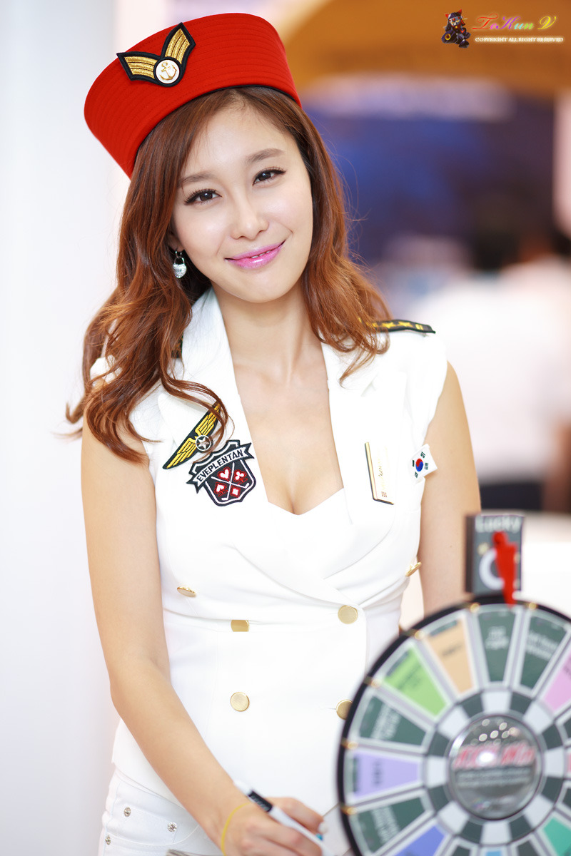 - 2 Hwang In Ji at SIDEX 2012-very cute asian girl-buntink.blogspot.com