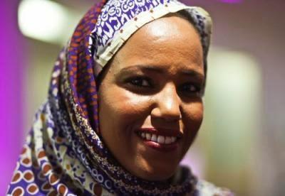 Exitosa actuación de Aziza Brahim en el concierto londinense Sahara Soul