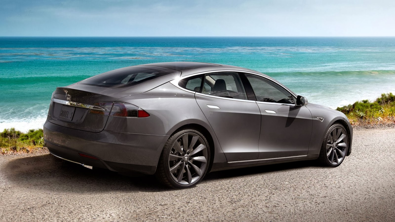 Tesla Model S electric car the most efficient and powerful