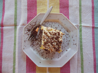 dolce con crema al cioccolato e crema pasticcera