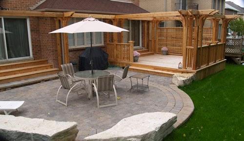 desain eksterior dengan taman rumah