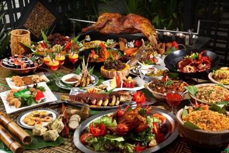 bertukar makanan, exchange food with neighbour,