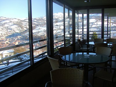 En Un Lugar Unico Para Disfrutar De La Orografia Y El Paisaje Asturiano Nos Encontramos Con El Hotel Restaurante Canzana Un Lugar Inigualable Amplio