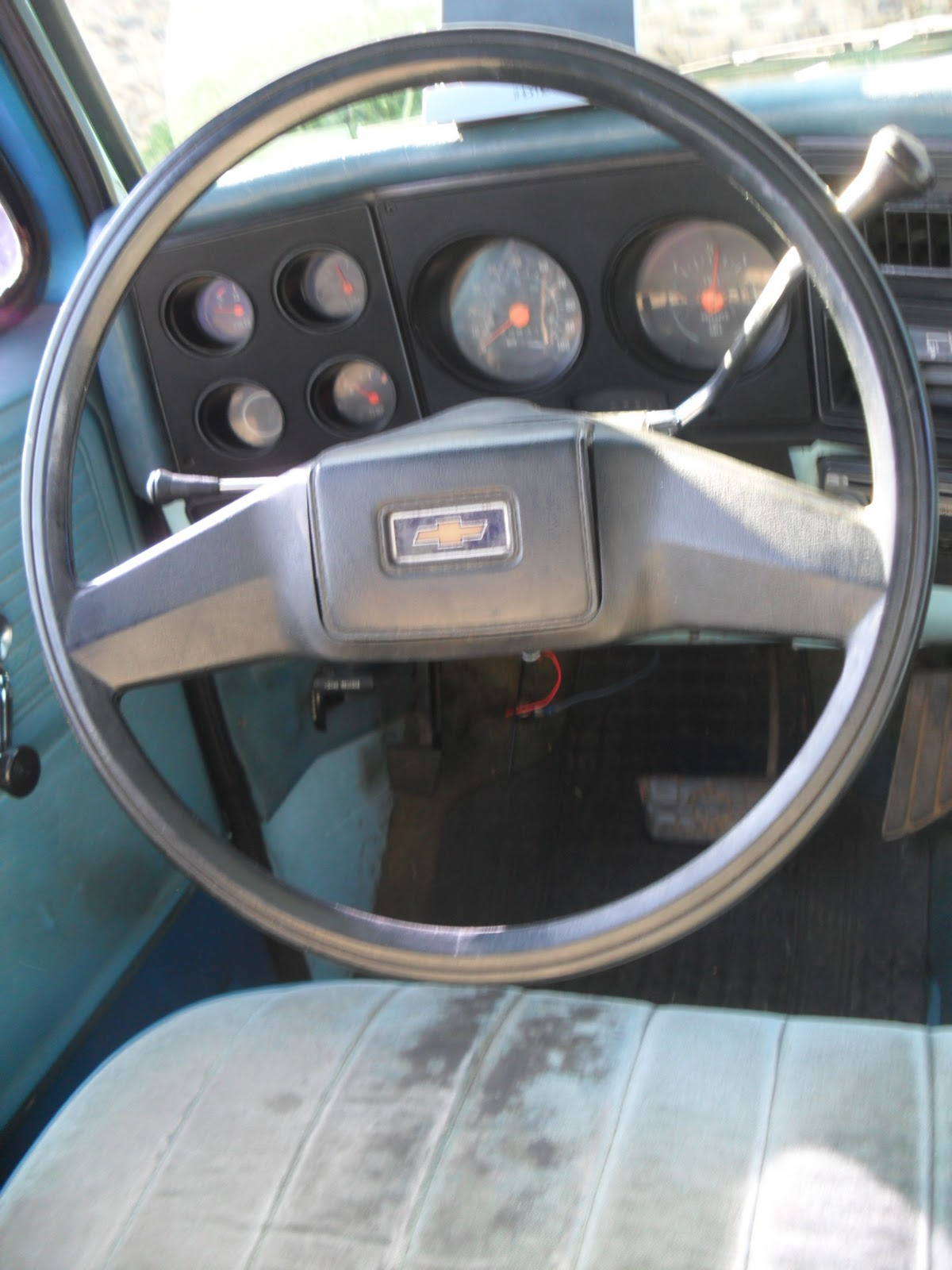 1978 Chevy C10 Under The Hood New Steering Wheel Chevrolet Went Onto Post Where They Have A Garage For Soldiers To Work In Had Use Tap And Dye Fix Threads After I Got All That It Right On