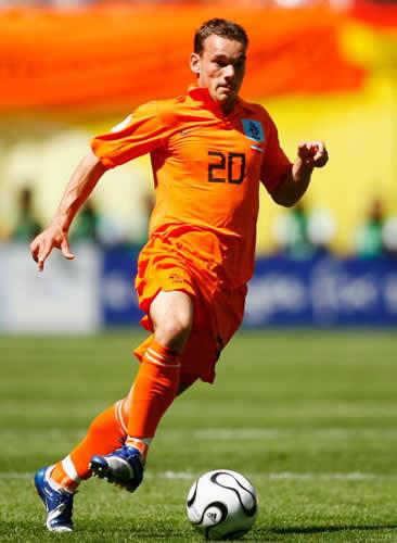 Victorsportcelebs: Wesley Sneijder Dutch Soccer Player