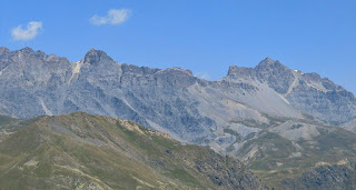 Tete de l'Enchastraye far right and Col de la Cavale seen from Tête de Vinaigre