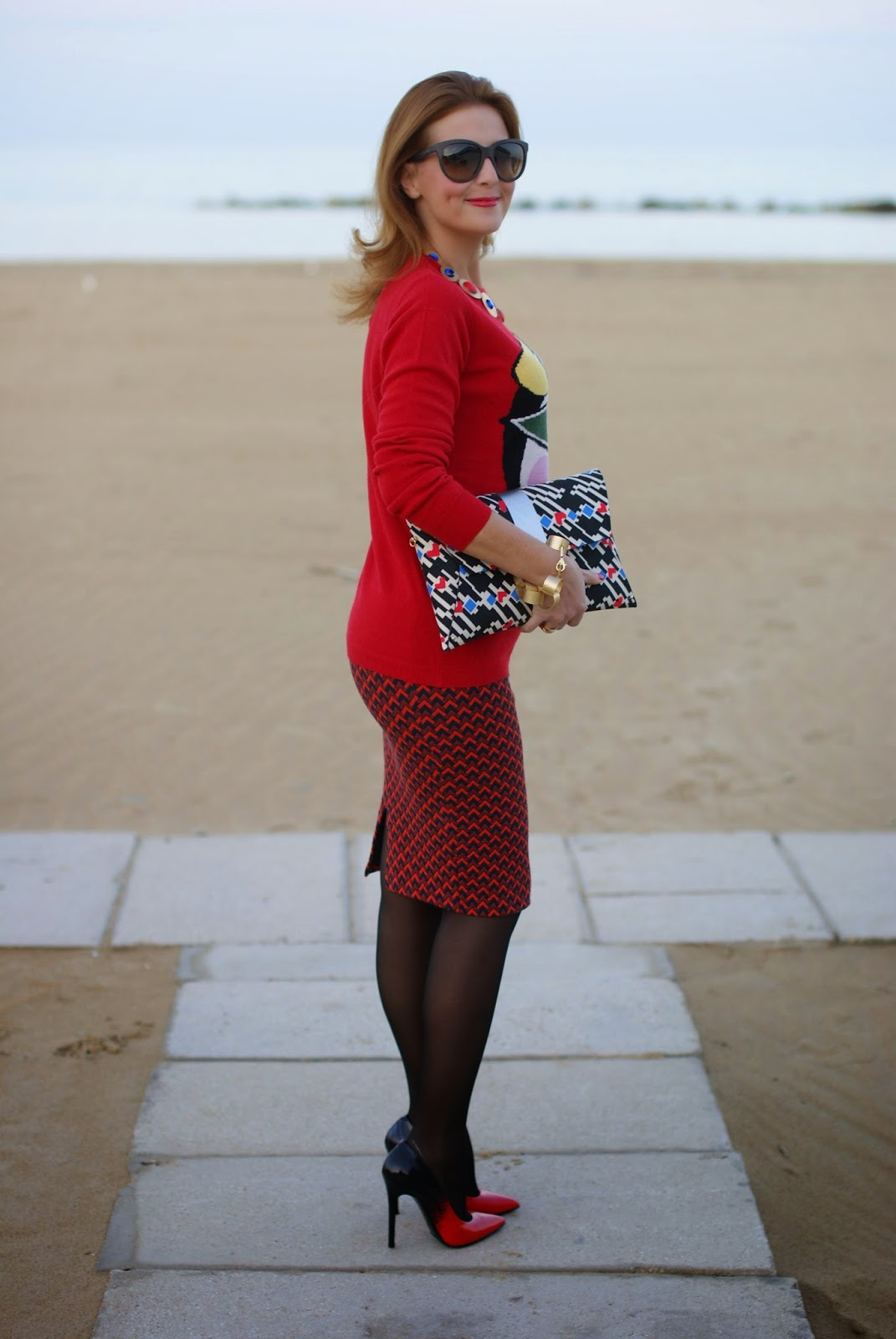 pencil skirt with sheer stockings and stiletto pumps, Fashion and Cookies, fashion blogger