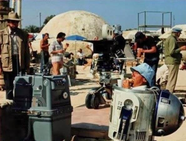 Escena de rodaje de star Wars: R2d2 comiéndo un sandwich