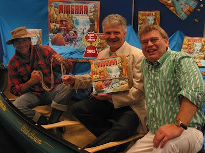 Spiel des Jahres 2005 - Designer of Niagara Thomas Liesching (middle) and Albrecht Werstein CEO of Zoch GmbH (on right)