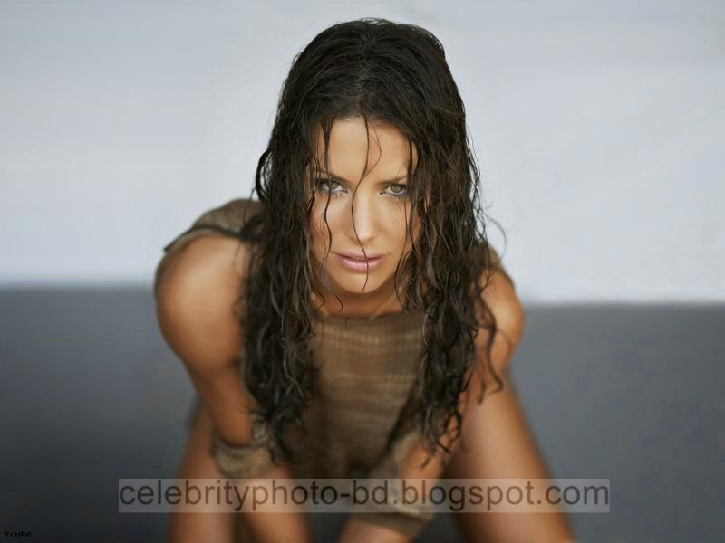 Evangeline+Lilly+Latest+Hot+Photos+With+Short+Biography016