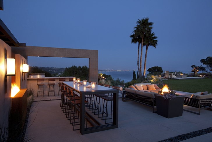 Terrace of Ravello Residence by Shubin + Donaldson Architects at night