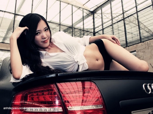 Ảnh người mẫu xe quyến rủ với Audi A8L